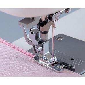 Вибираємо швейну машину для роботи з товстими і тонкими тканинами