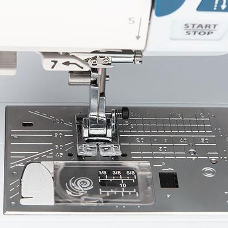 Швейна машина Janome Skyline S6