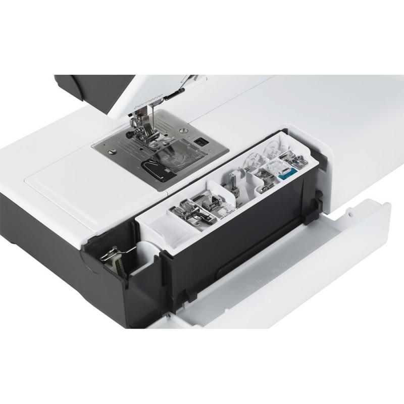 Швейно-вышивальная машина Bernina Bernette B 79