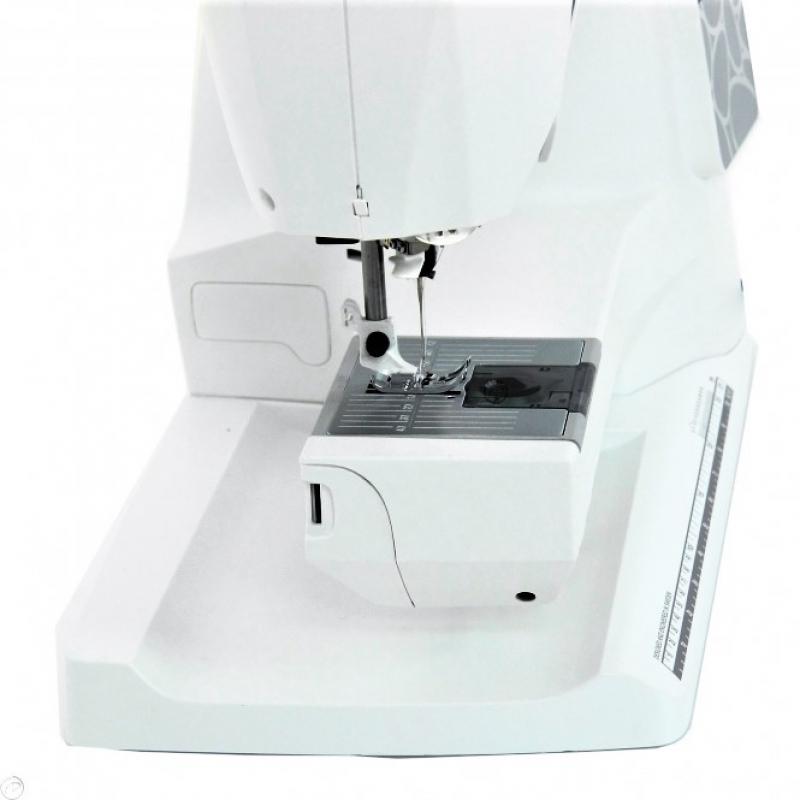 Швейная машина Husqvarna Opal 690Q