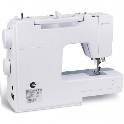 Швейная машина BERNINA Bernette Milan 3 фото