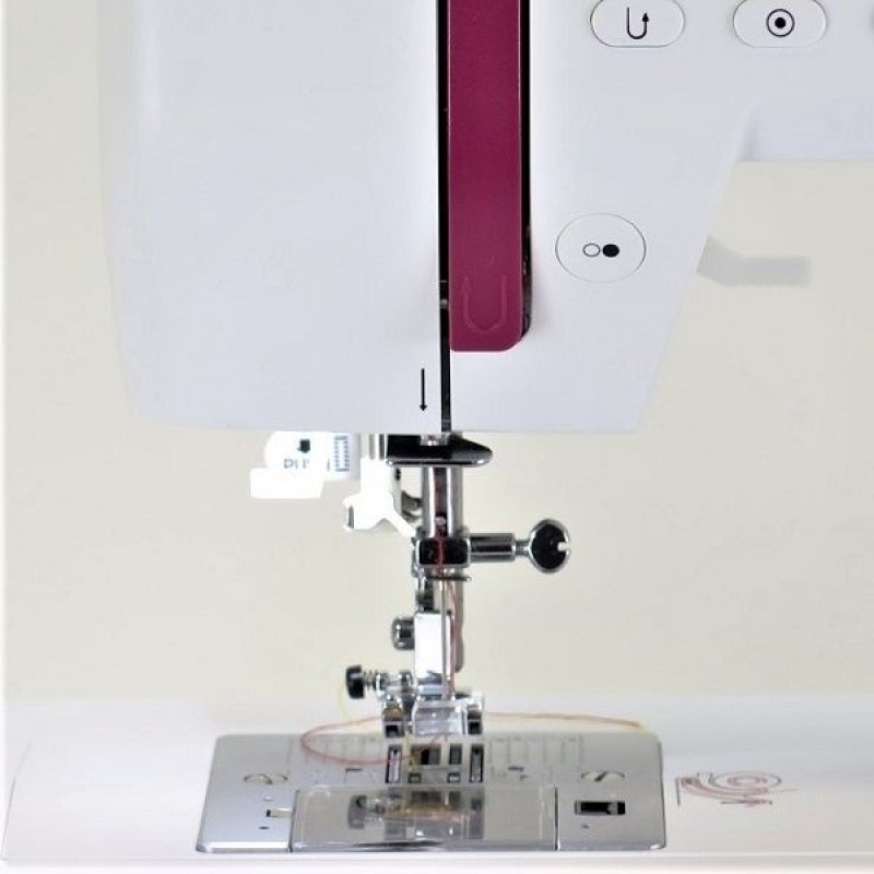 Швейная машина Bernina Bernette Sew and Go 8