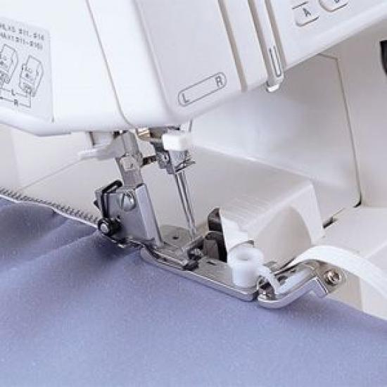 Лапка для вшивания тесьмы -  резинки к оверлокам Brother