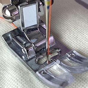 Дополнительные лапки для швейных машин помогут справиться со сложными операциями