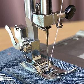Рекомендації по заміні голки в швейній машинці